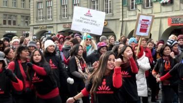 Foto vom Flashmob auf dem Waisenhausplatz in Bern, Schweiz