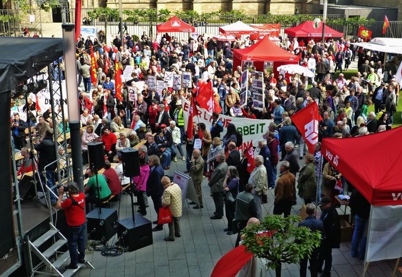 Maikundgebung des Deutschen Gewerkschaftsbunds in Essen, Foto von Anne Hemeda am 1. Mai 2014.     Maikundgebung des Deutschen Gewerkschaftsbunds in Essen, Foto von Anne Hemeda am 1. Mai 2014.
