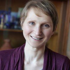 A small portrait of Katrin Zinoun