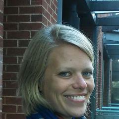 Σύντομο βιογραφικό Katharina Jahn